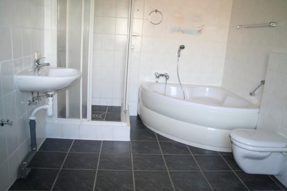 grundbesitz und betreuungsgesellschaft mbh. Black Bedroom Furniture Sets. Home Design Ideas
